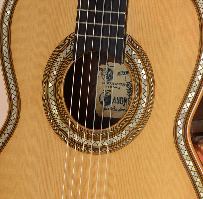Agustin Barrios Guitar, Bellucci Collection
