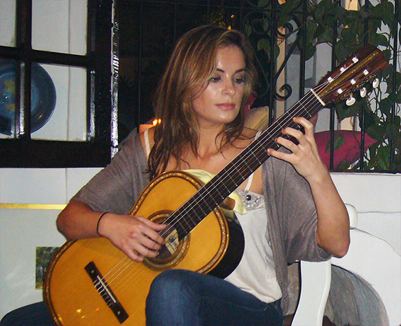 Ana Vidovic playing Barrios Guitar
