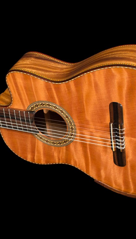 Monkey Pod B&S, Curly Sinker Redwood top Concert Classical Guitar
