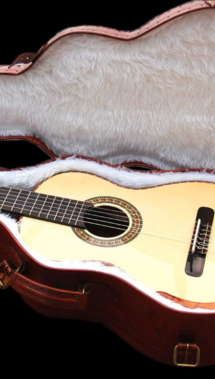 Small Body Sting Model Doubletop Concert Classical Guitar